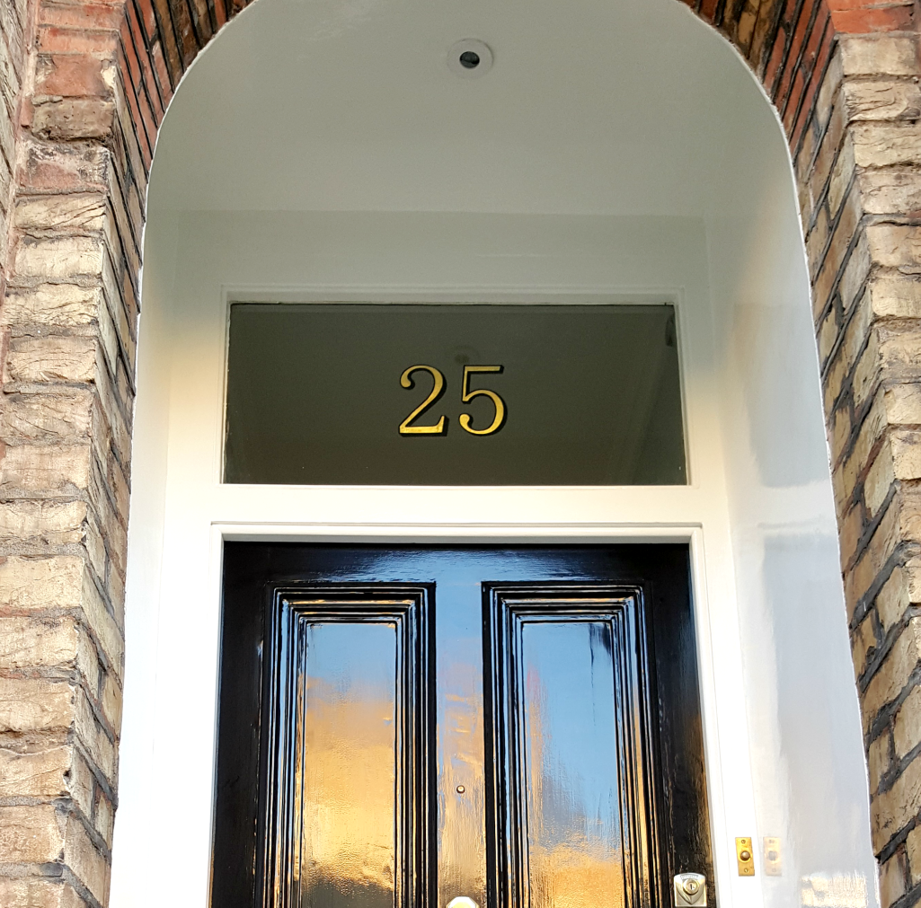 Previous property number signwriting in Kennington by Traditional Signs of London